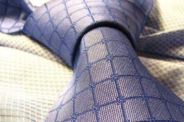 Chemische Reinigung – Krawatten